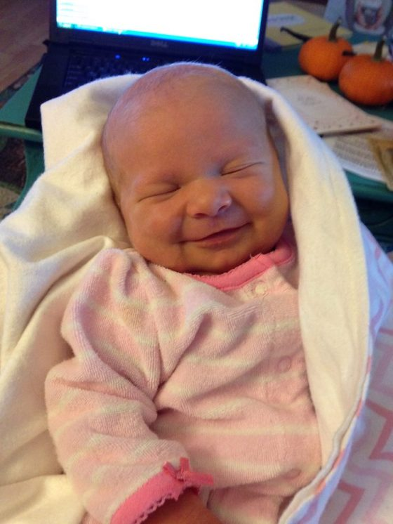 she smiled early at 2 weeks. like not just the gassy smiles... the real ones!